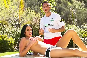 Raven-haired, buxom hottie gets massaged and fucked outdoors