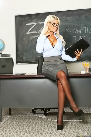 Busty blue-eyed blonde teacher fucking her hung student after class